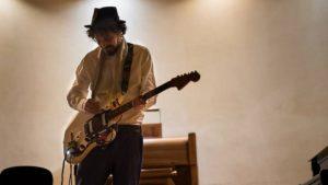 Riccardo Onori con la chitarra aumentata